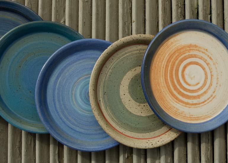 Steinzeug Geschirr keramikwerkstatt hilde schaal schlierschied im hunsrück geschirr